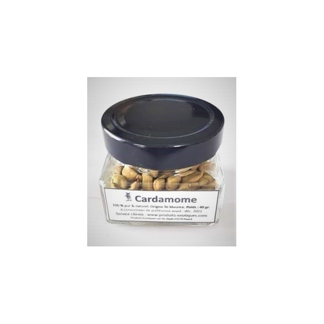 Ecorse de cardamone verte entière avec graines dans pot en verre de 40 grammes..
