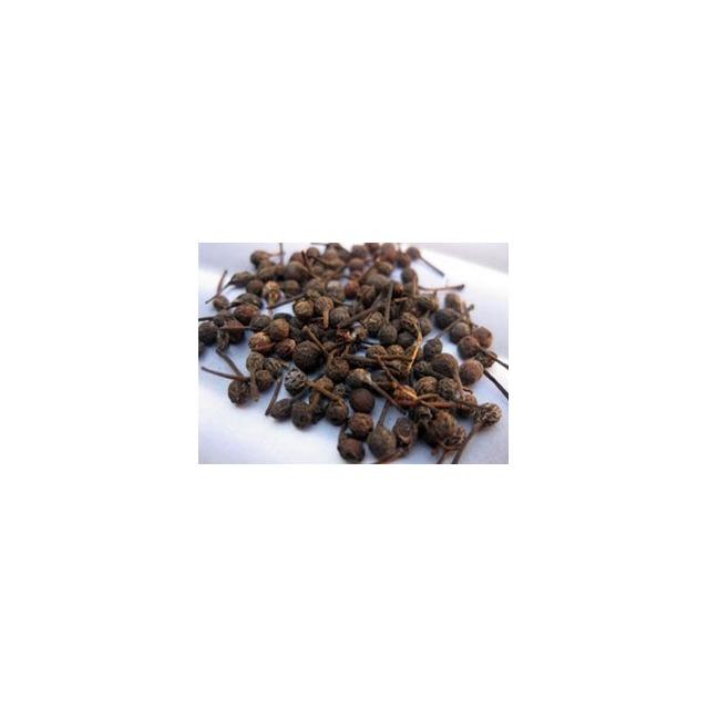 Poivre sauvage Voatsiperifery de Madagacar en grain 20 grammes dans pot en verre.